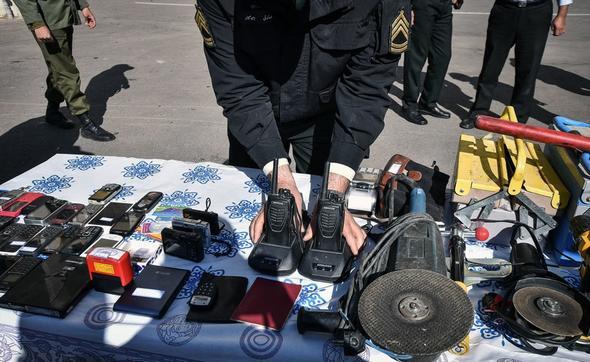 تصاویر : متلاشی شدن دو باند سارق مامورنما و باند سرقت داخل خودرو