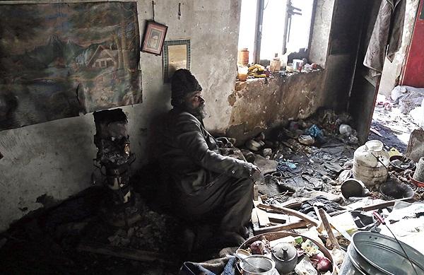 تصاویر : حاج علی، همنشين زبالهها!