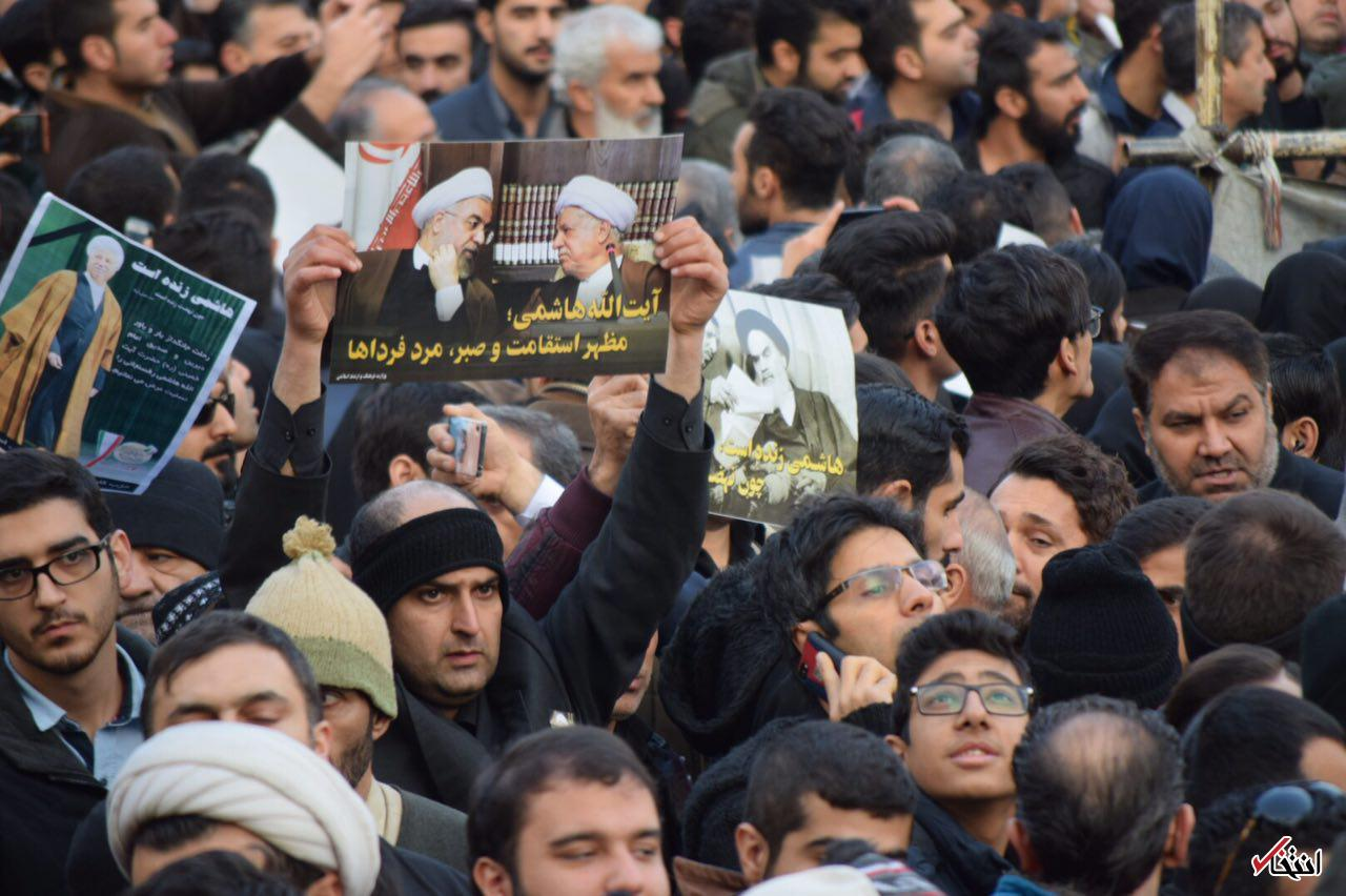 آغاز مراسم تشییع آیت الله هاشمی تا دقایقی دیگر+تصاویر / تعداد جمعیت لحظه به لحظه در حال افزایش است
