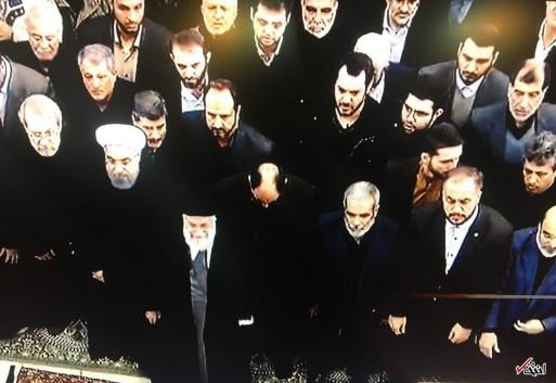 آغاز مراسم تشییع پیکر آیت الله هاشمی+تصاویر / اقامه نماز رهبر معظم انقلاب بر پیکر آیت الله هاشمی