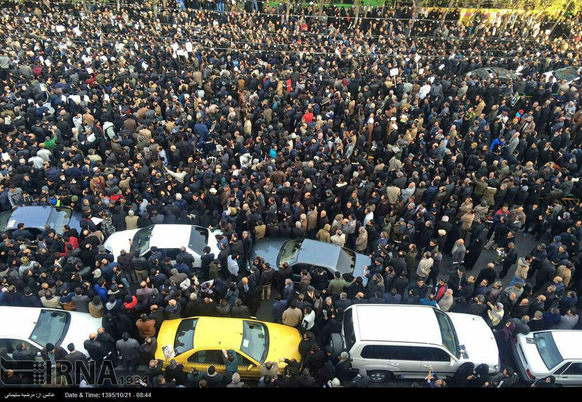 عکس/سیل جمعیت در مراسم تشییع پیکر آیت الله هاشمی رفسنجانی