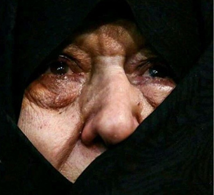 همسر «آیت الله» خطاب به بدن بی جان ایشان می گفت «بى معرفت مگر قرار نبود مرا تنها نگذارى؟ حالا من بى تو چه کنم؟»