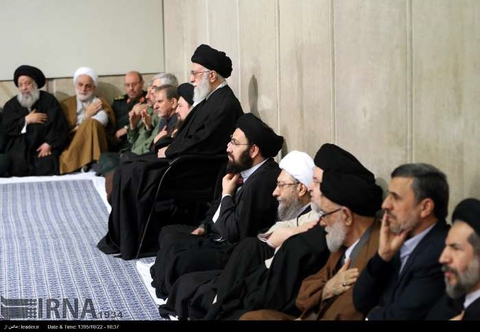 عکس/حضور محمود احمدینژاد در مراسم ترحیم آیتالله هاشمی رفسنجانی