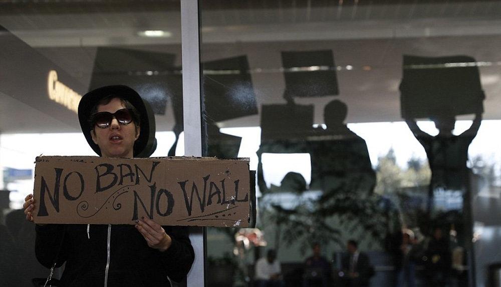 تصاویر :اعتراض به ممنوعیت ورود مسلمانان به آمریکا