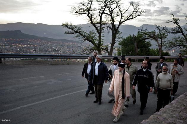 عکس/پیادهروی رهبر انقلاب