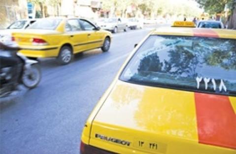 انتشار برخی شکایات مردم از تاکسیرانان/ از نبودن تاکسی در ساعات اول شب تا چاقی راننده
