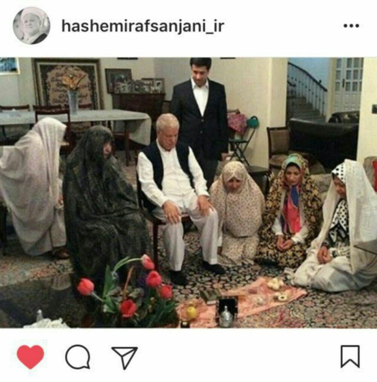 عکس/آیت الله هاشمی رفسنجانی سر سفره عید