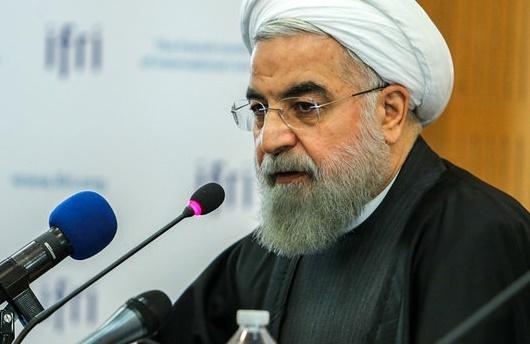 رییسجمهور در جمع مردم کرمان:  «آیت الله هاشمی» و «سلیمانی» از افتخارات ایران هستند