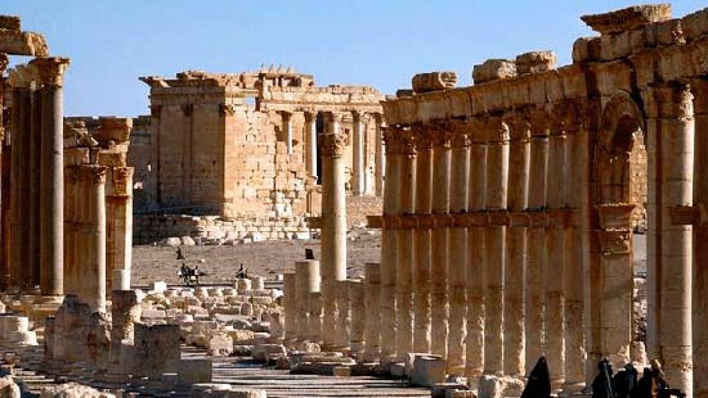 پالمیرا در محاصره ی داعش / تروریست ها در غرب، شرق، شمال و جنوب این شهر مستقر شده اند!