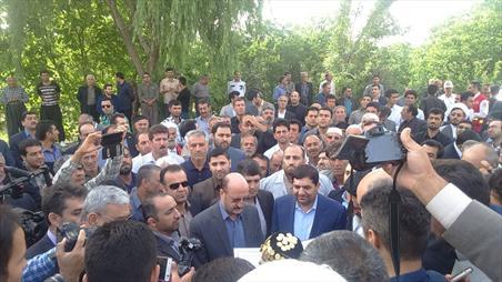 هدیه ویژه رهبر معظم انقلاب اسلامی به مردم کردستان و کرمانشاه