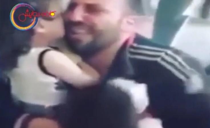 ویدیویی تکان دهنده از شهادت دو کودک در سوریه و وداع پدر