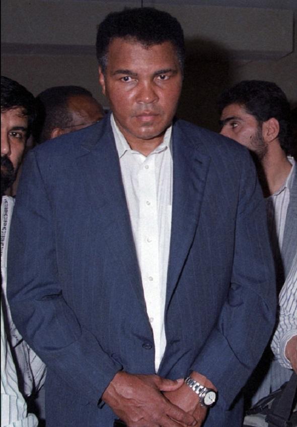 محمد علی کلی قهرمان بوکس جهان بیوگرافی محمد علی کلی