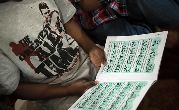 تصاویر : انتقال پیکر محمدعلی کلی به خانه