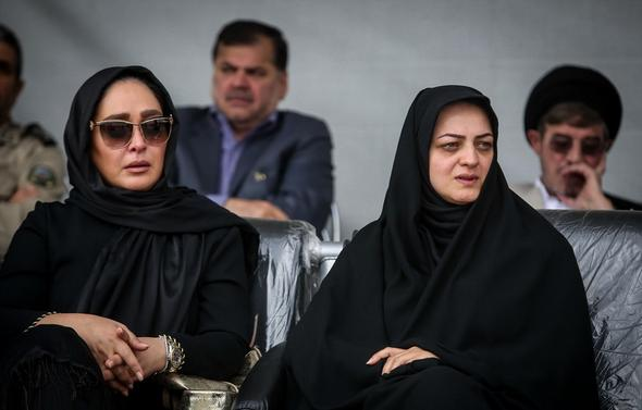 تصاویر : تشییع پیکر همسر شهید بابایی