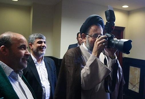 وقتی وزیر اطلاعات عکاسی میکند