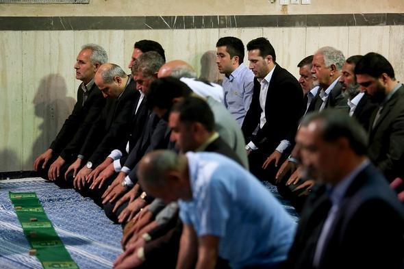 تصاویر : دیدار جمعی از ورزشکاران با یادگار امام