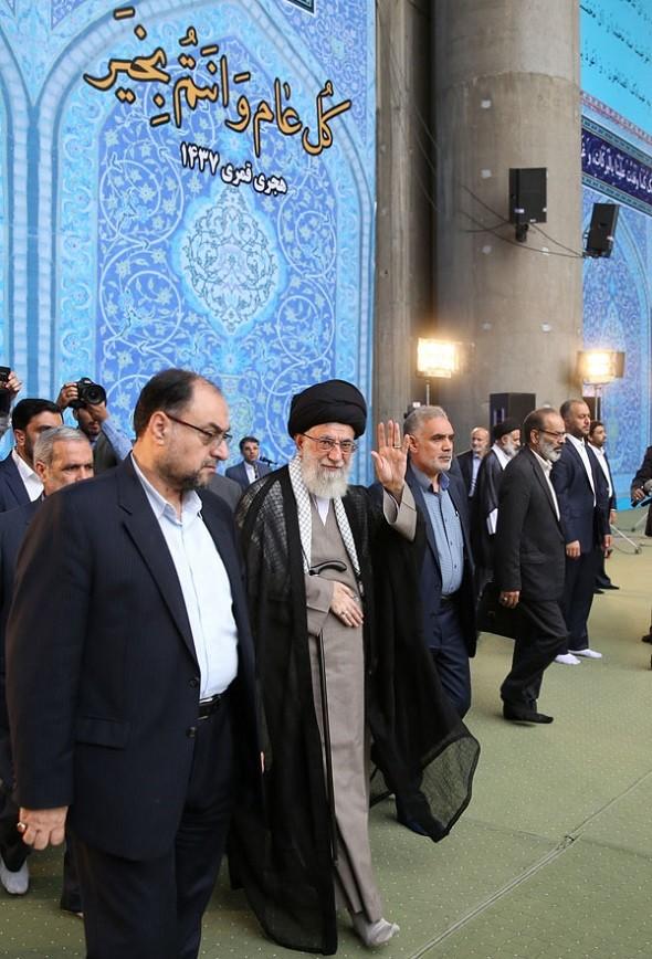 تصاویر : نماز عید فطر به امامت رهبر معظم انقلاب