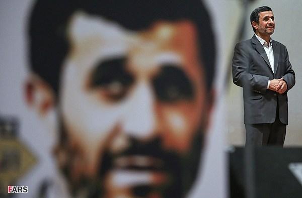 پروژه حماسه سازی در سخنرانی های احمدی نژاد / از هاله نور تا قیام پرشور مردمی!
