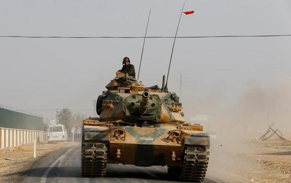 تصاویر : ورود تانکهای ترکیه به خاک سوریه