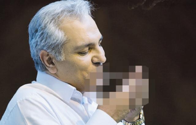 تصویر سیگار کشیدن مجری «دورهمی» شطرنجی شد / روزنامه جوان: مهران مدیری عذرخواهی کند!