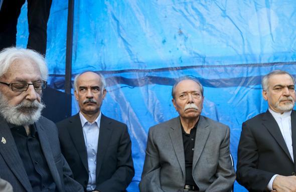 تصاویر : هنرمندان در تشییع و بدرقه پیکر مرحوم داود رشیدی