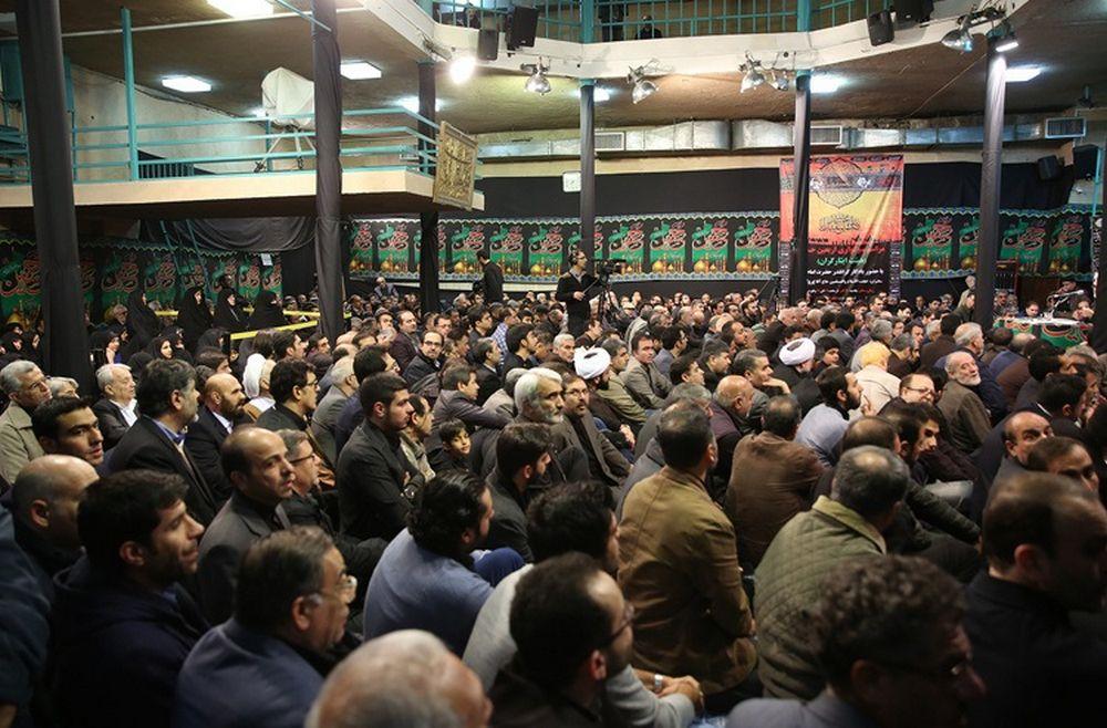 تصاویر : آیتالله هاشمی در مراسم عزاداری حسینیه جماران