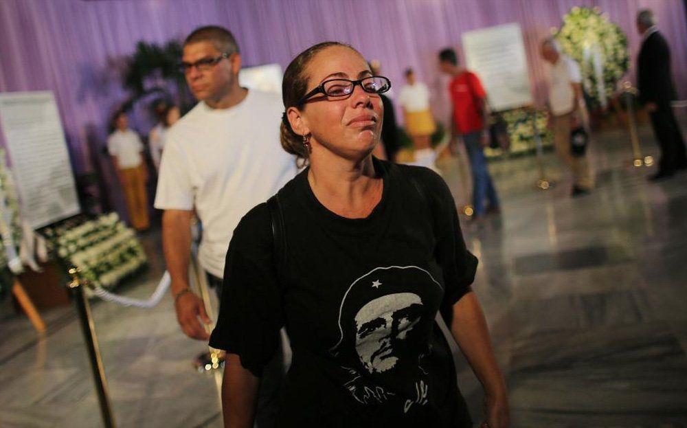 تصاویر : صف طویل برای وداع با فیدل