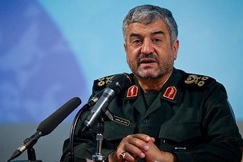 فرمانده کل سپاه: کسانی ریزش کردند که از آنها انتظار نمیرفت / رئیس دفتر نظامی رهبری: حضرت آقا فرموده اند که افراد بداخلاق از سردار غیب پرور در شیراز عصبانی بودند