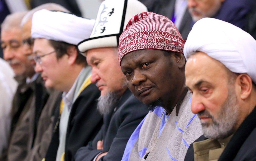 تصاویر : دیدار مسئولان و میهمانان کنفرانس وحدت اسلامی با رهبر انقلاب