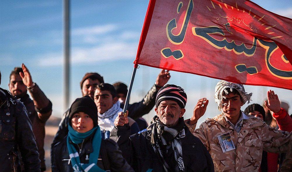 پیاده روی زائران حرم امام رضا/عکس