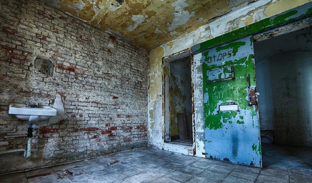 تصاویر : زندان 152 ساله برای به دار آویختن مجرمان بدنام