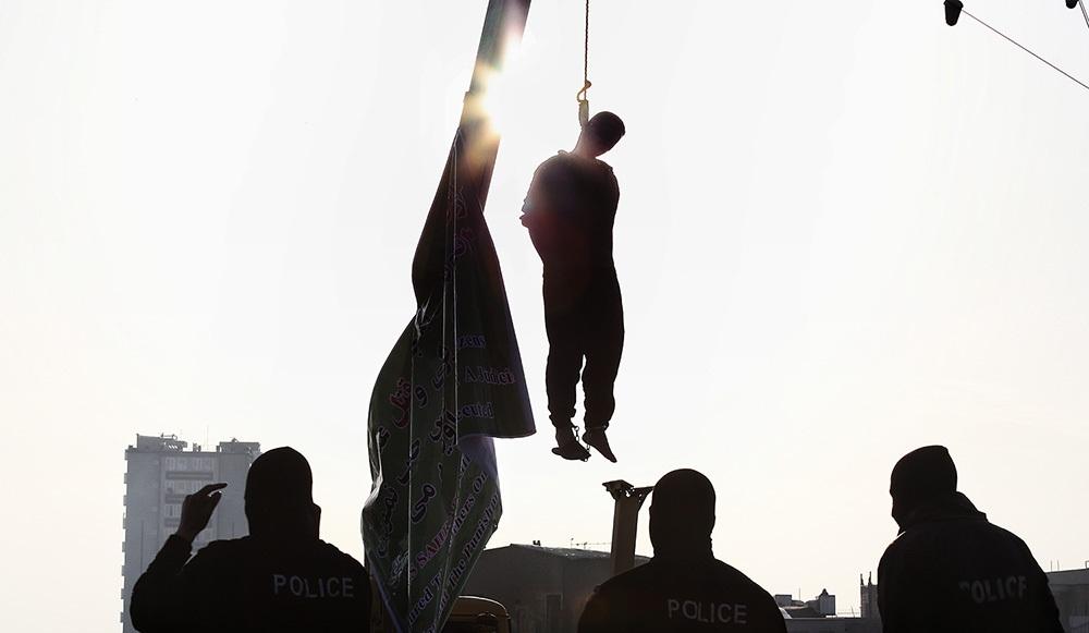 تصاویر : اجرای حکم اعدام قاتل 6 شهروند اراکی