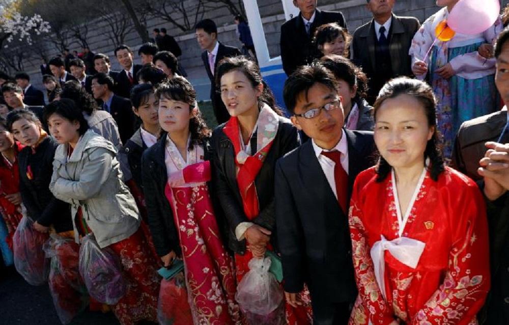 تصاویر : حال و هوای پیونگ یانگ در  سالگرد تولد بنیانگذار کره شمالی