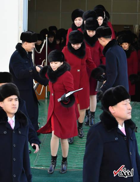 تصاویر : بیش از ۲۰۰ زن جوان کره شمالی لیدر