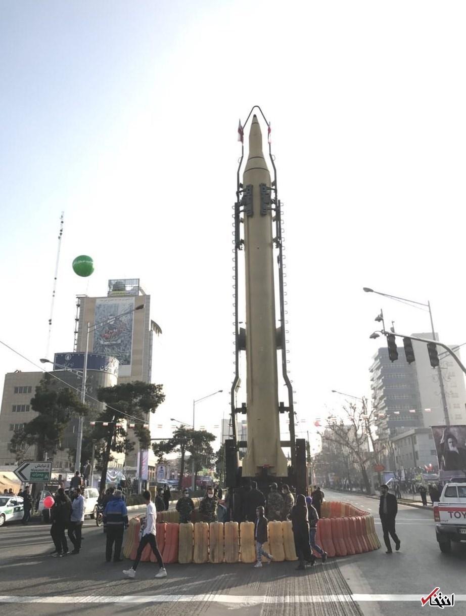 نمایش موشک ۲۰۰۰ کیلومتری سپاه در خیابان آزادی تهران +عکس