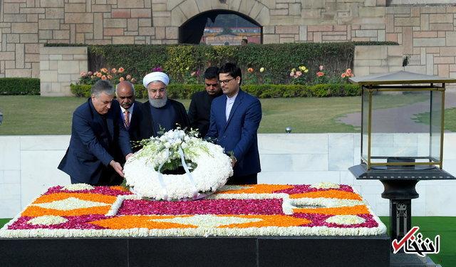 ادای احترام روحانی به گاندی +عکس