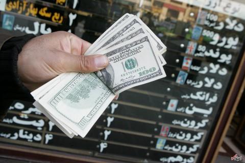 بانک مرکزی: به دنبال کاهش نرخ واقعی ارز نیستیم