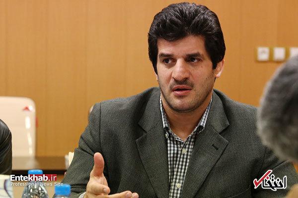 اخبار سینمای ایران     خادم با انتقاد از عدم حمایت وزارت ورزش از کشتی، مجمع فوق العاده کشتی را ترک کرد