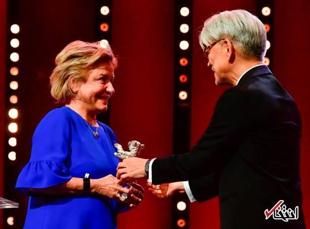 تصاویر : اهدای برگزیدگان جشنواره فیلم برلین؛ خرس طلا به خوک نرسید