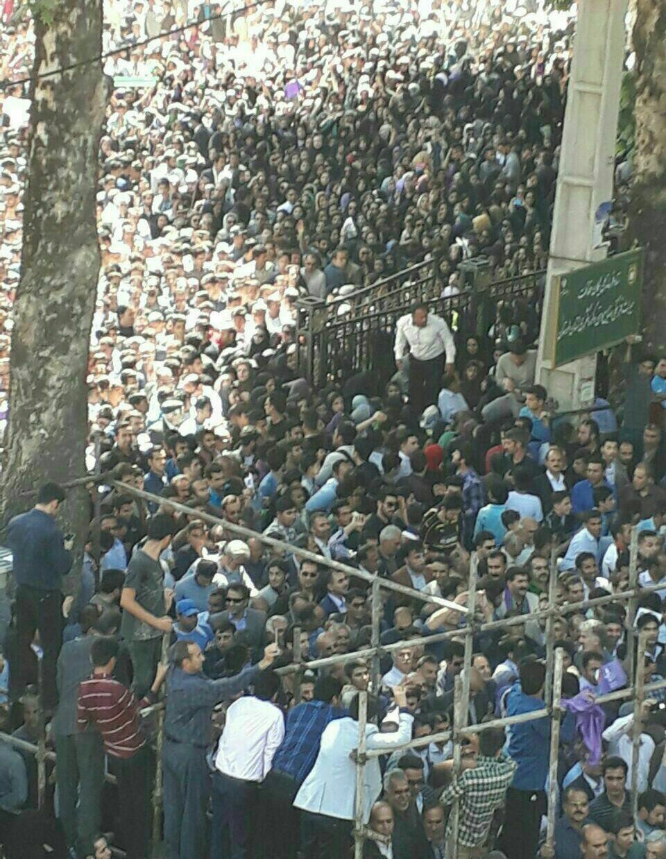 عکس/خیابان های منتهی به دانشگاه لرستان حین سخنرانی روحانی
