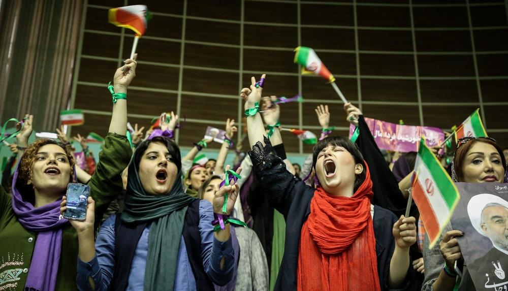 تصاویر : همایش انتخاباتی حسن روحانی