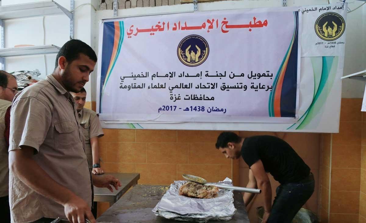 تصاویر : توزیع بستههای افطار برای رزمندگان غزه