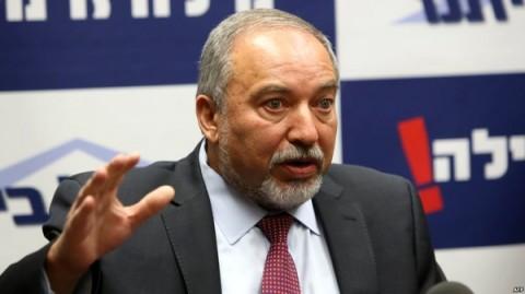 وزیر جنگ رژیم صهیونیستی: هر وقت لازم باشد به سوریه حمله میکنیم