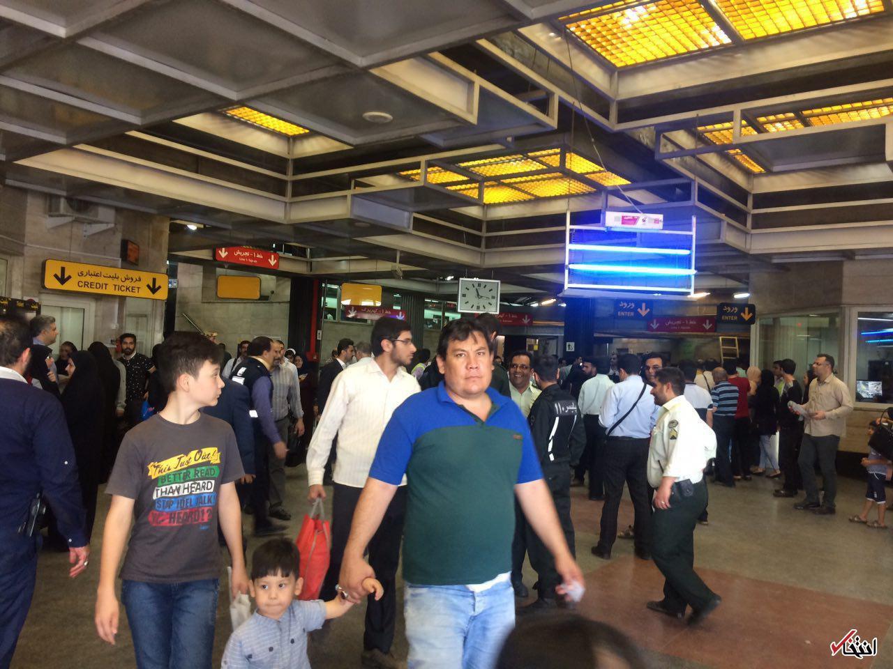 فوری / تیراندازی در مترو تهران / حمله با چاقو به مسافران/ مهاجم از ناحیه پا به ضرب گلوله پلیس به شدت زخمی شد/ (به روز می شود)