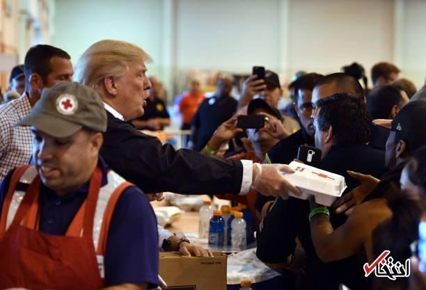 تصاویر : کمک رسانی دونالد ترامپ و همسرش به طوفان زدگان دو ایالت