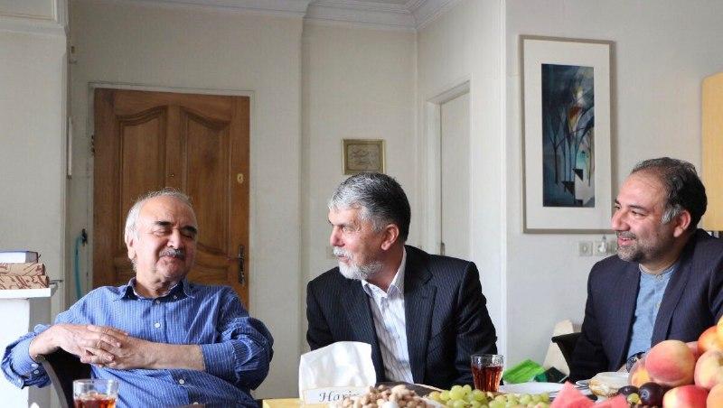 وزیر ارشاد با استاد شفیعی کدکنی دیدار کرد/ اهدای نشان پایتخت فرهنگی