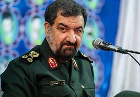 محسن رضایی: پولی از ایران به سوریه و عراق نمیرود؛ کمک ما مستشاری است/ از 120 میلیارد دلار درآمدمان در 8 سال، فقط 20 میلیارد دلار هزینه جنگ کردیم