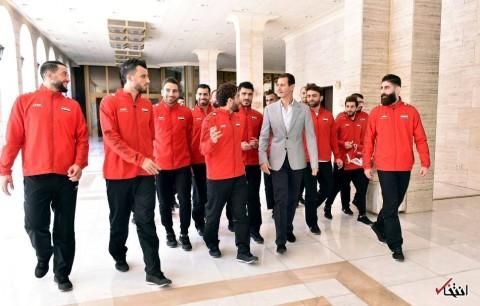 تصاویر : دیدار بشار اسد با دو بازیکن تیم ملی فوتبال سوریه که حامی مخالفان بودند