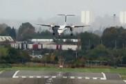 فیلم/ مهارت خلبان در کنترل هواپیما در طوفان شدید بیرمنگام