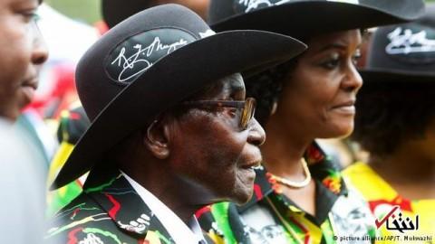 پایان حکومت 40 ساله موگابه / رییسجمهور زیمباوه از ریاست حزب حاکم برکنار شد
